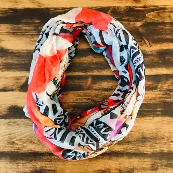 Buy 1 get 1 🎁 multi coloured infinity scarf
